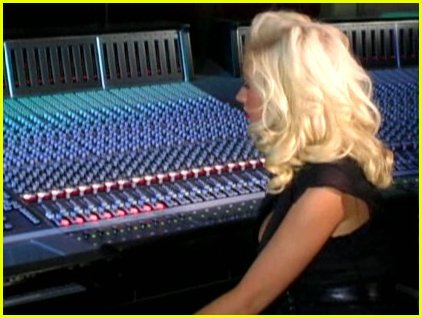 aguilera album preview caps35