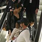 brad angelina airport12