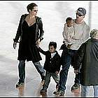 brad angelina airport20