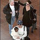 brad angelina airport36