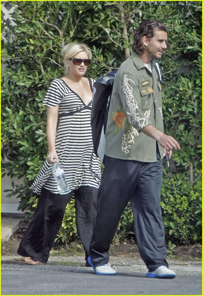 Full Sized Photo of gw... Gwen Stefani Pregnant