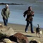 jake gyllenhaal beach07