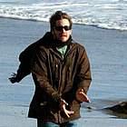 jake gyllenhaal beach11