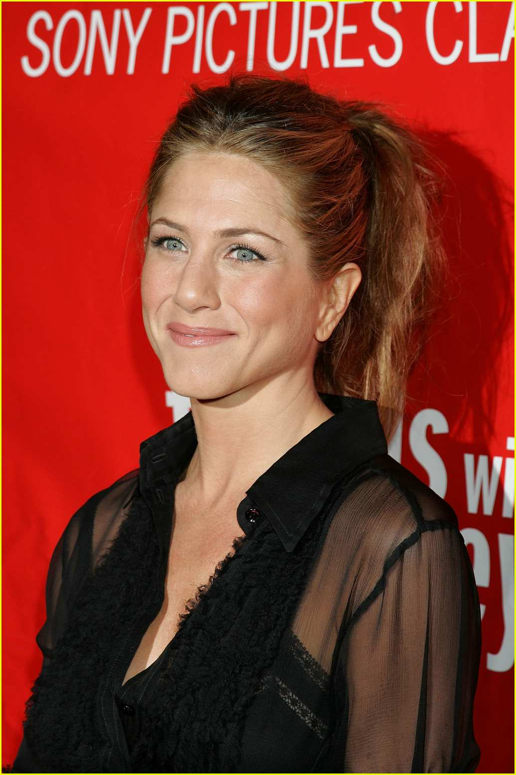 jennifer aniston friends with money14