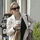 reese witherspoon jogging coffee09