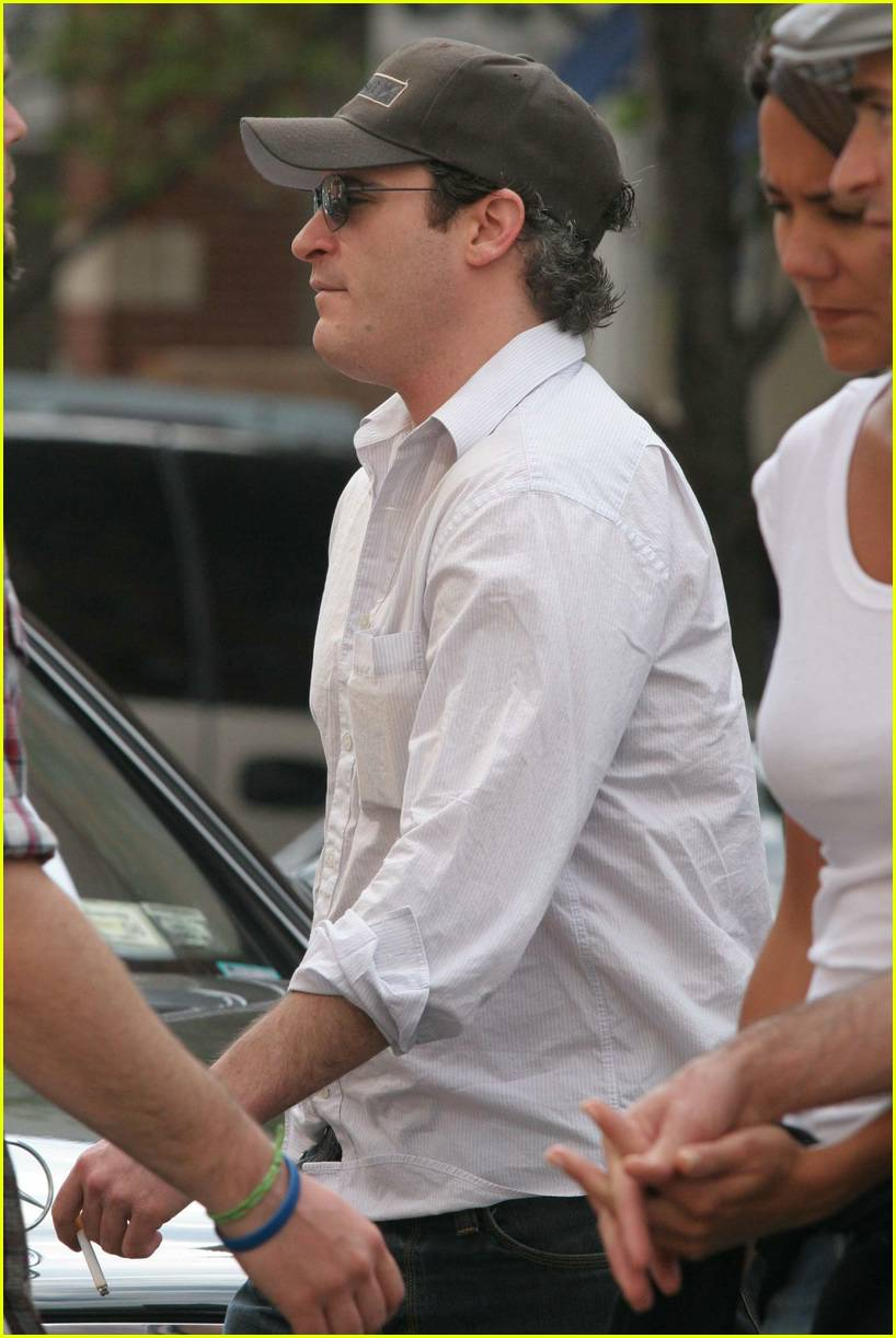 joaquin phoenix smoking07