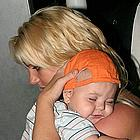 britney spears carrying sean preston08