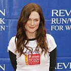 julianne moore revlon cancer walk 2006 11