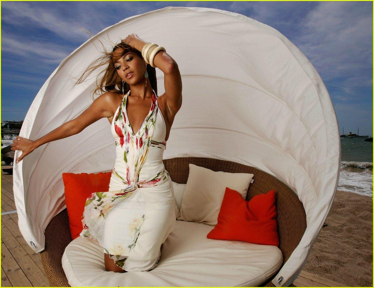 Beyonce-deja vu скачать