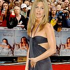 jennifer aniston engaged23