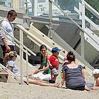 ryan phillippe family beach02