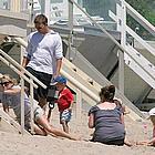 ryan phillippe family beach03