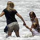 ryan phillippe shirtless beach04
