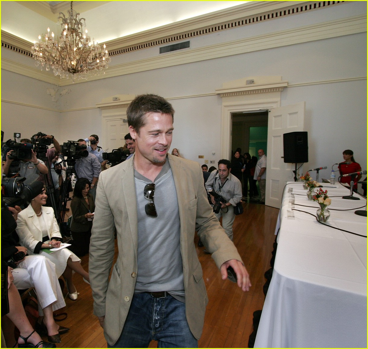 full sized photo of brad pitt new orleans06 photo 397601