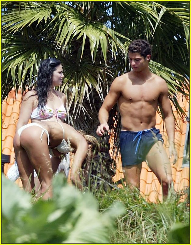 cristiano ronaldo shirtless05