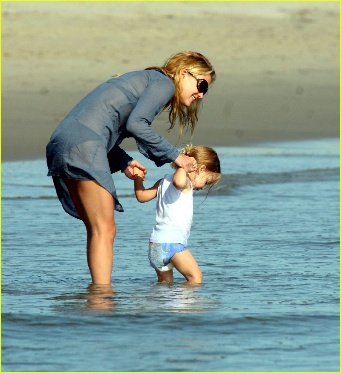 Full Sized Photo of kate hudson beach 15 | Photo 394871 ... Kate Hudson