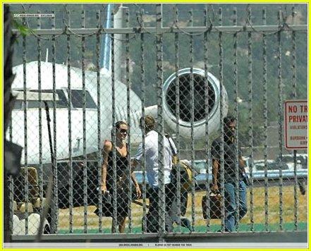 brad angelina burbank airport 24263131