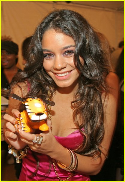 vanessa anne hudgens come back to me 15