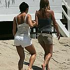 jennifer aniston beach 21