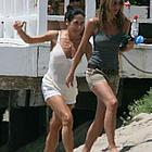 jennifer aniston beach 25