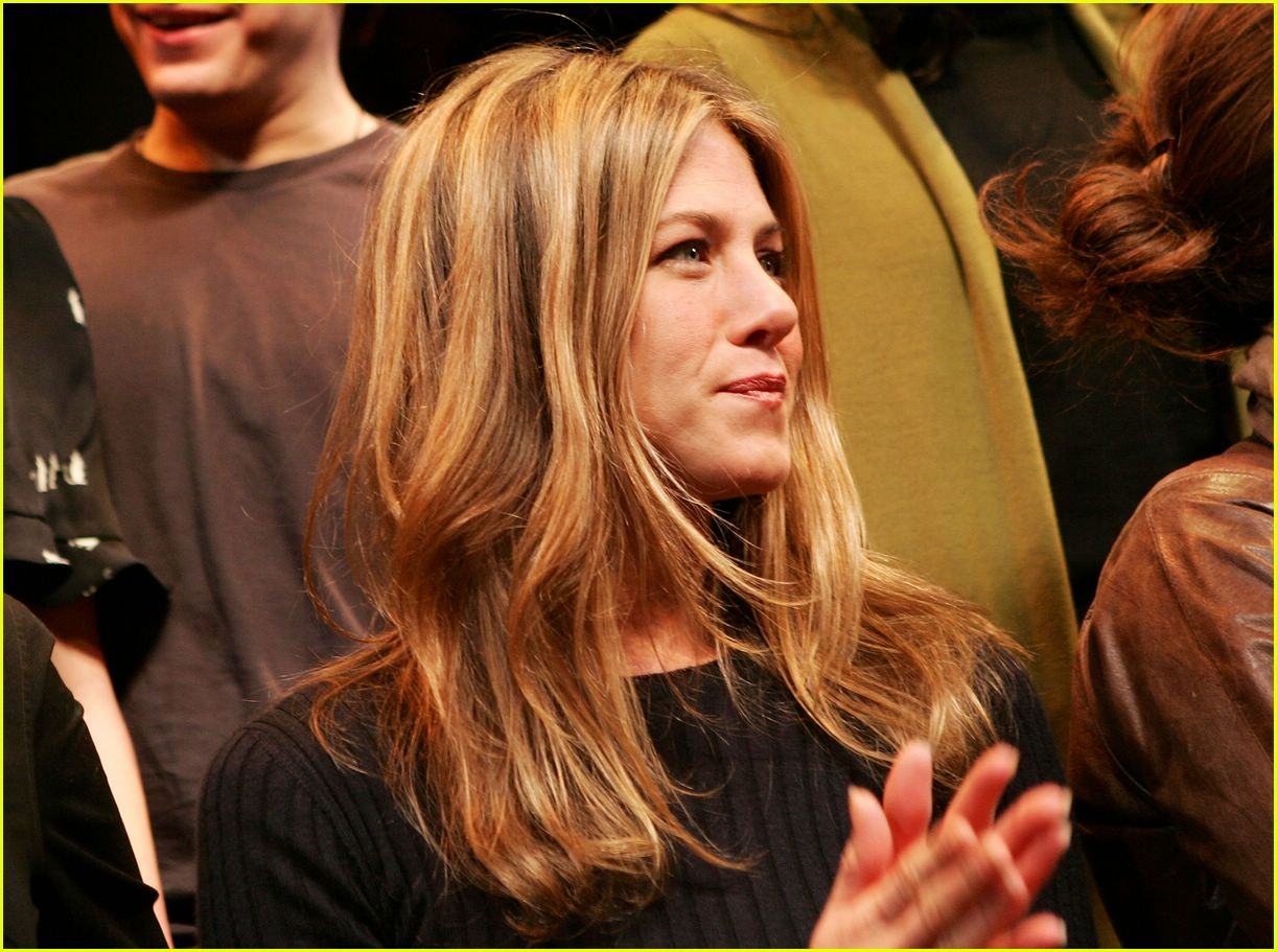 jennifer aniston 24 hour plays 20