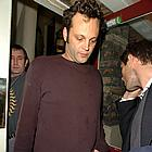 vince vaughn finger 02