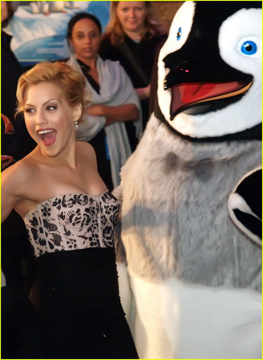 'Happy Feet' Dances Its Way to #1... Again! : Photo ...