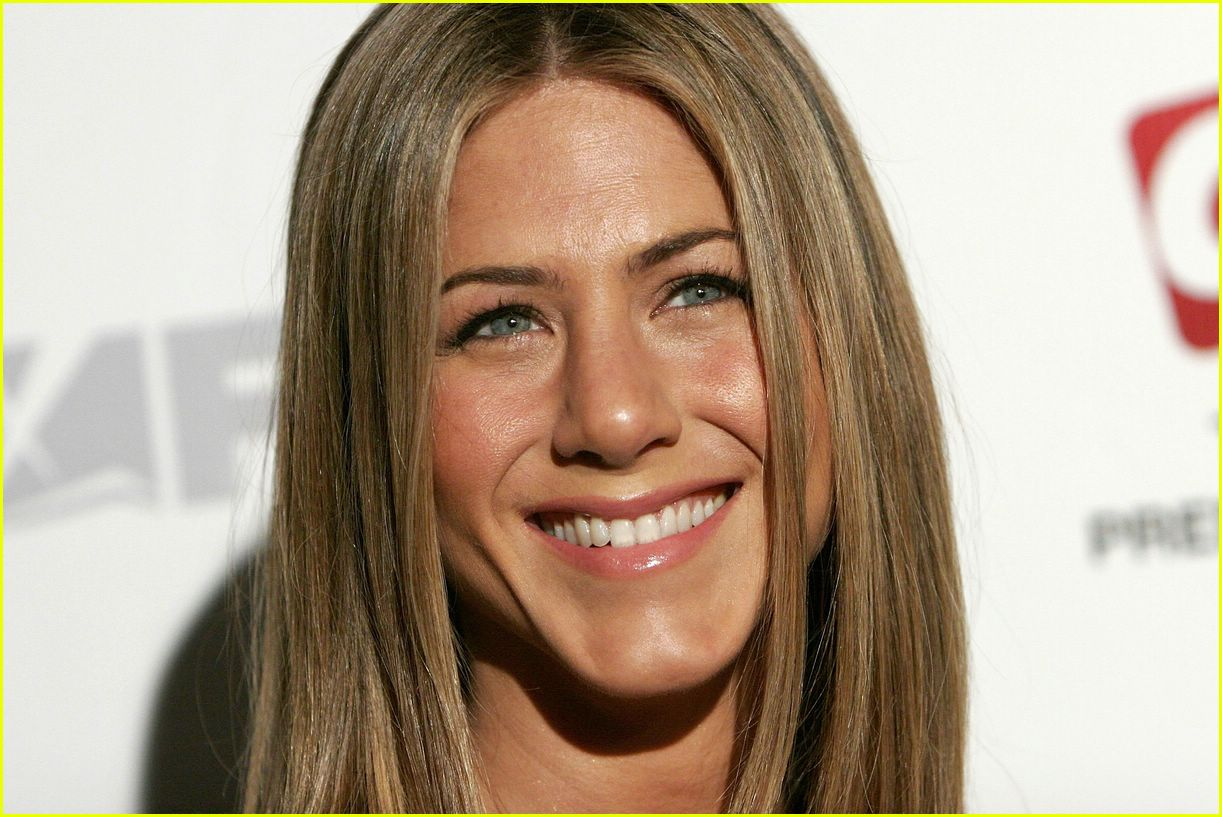 jennifer aniston dirt 10