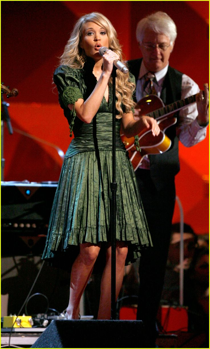 carrie underwood grammys 15
