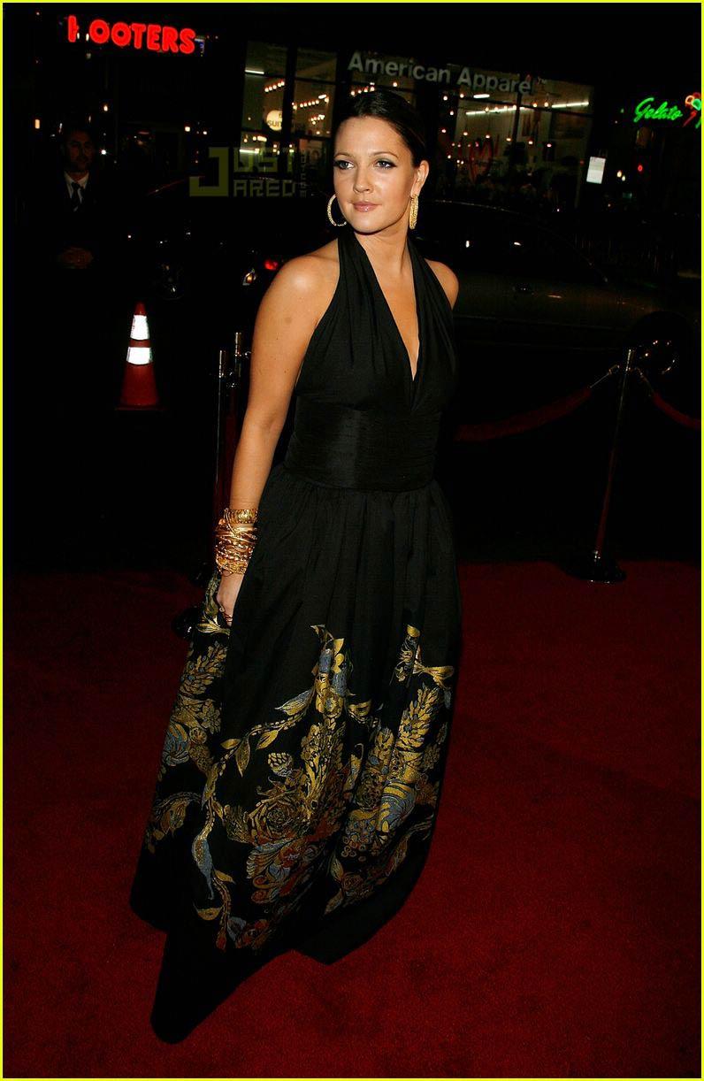 Drew Barrymore Wedding Dress Drew Barrymore And Husband
