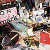http://cdn02.cdn.justjared.comgrammy-gift-bags-2007-07.jpg