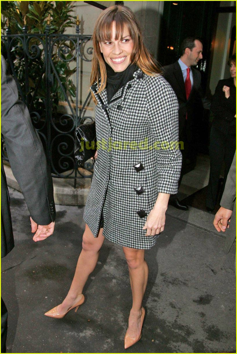 hilary swank paris 06