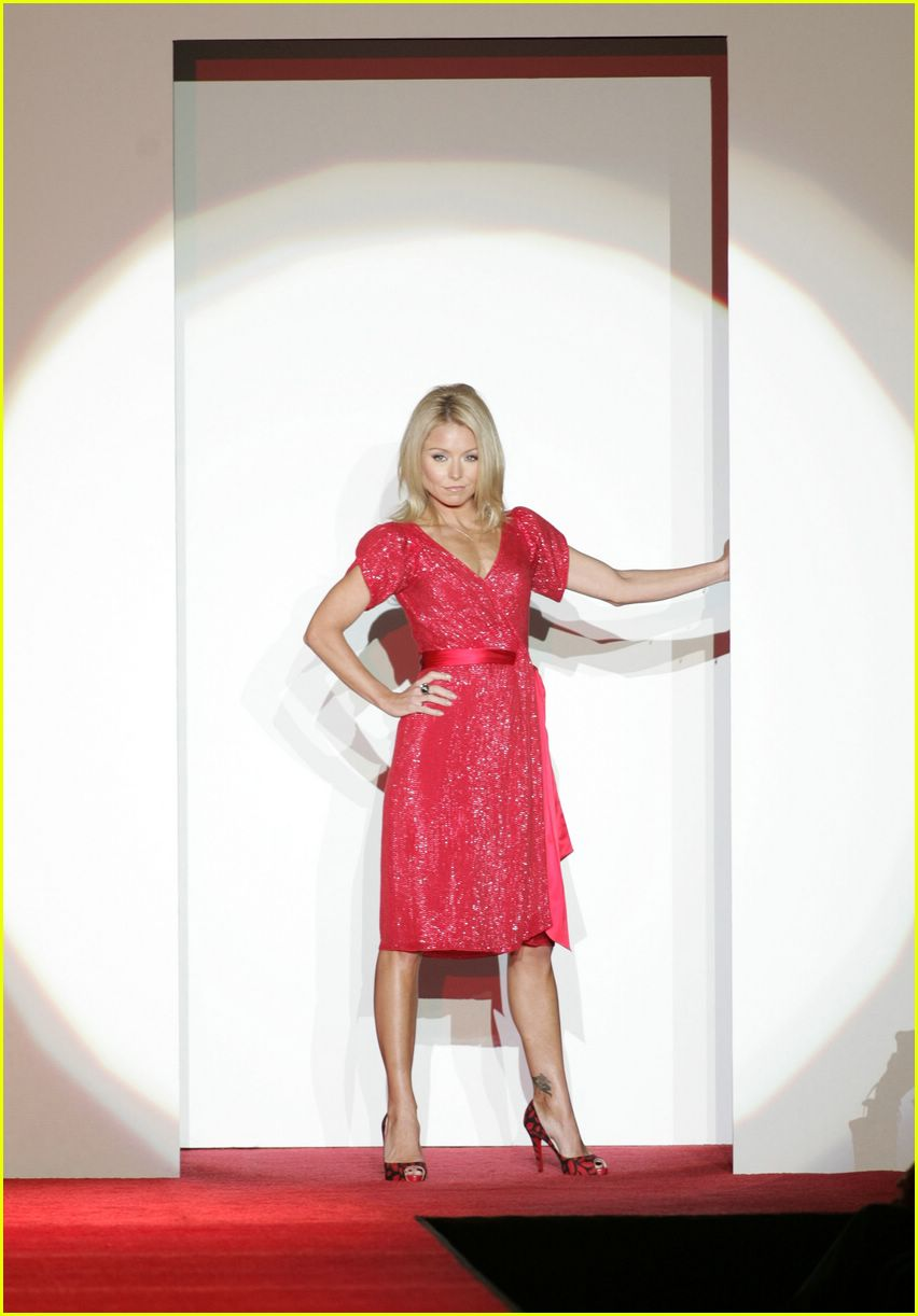red dress 2007 09