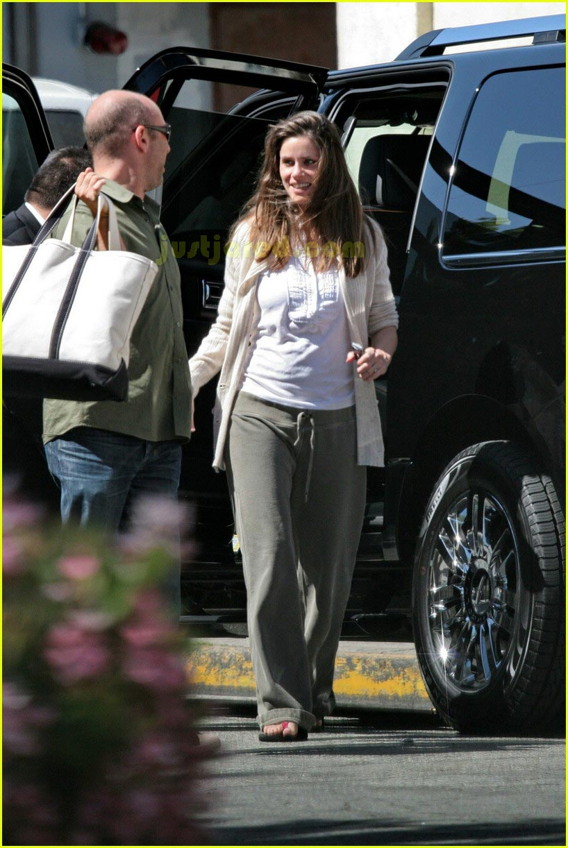 amanda peet post pregnancy 02
