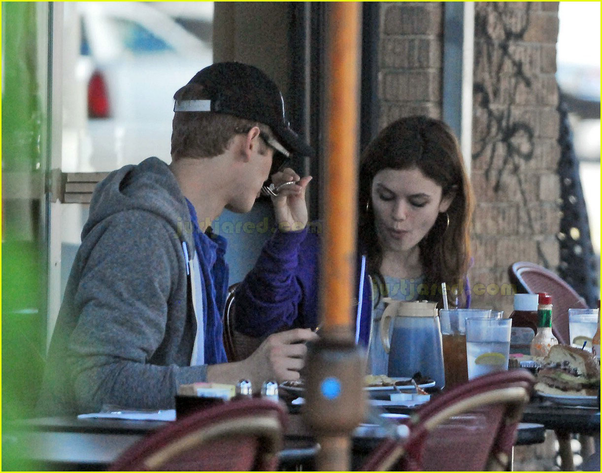 hayden christensen rachel bilson feeding each other 11