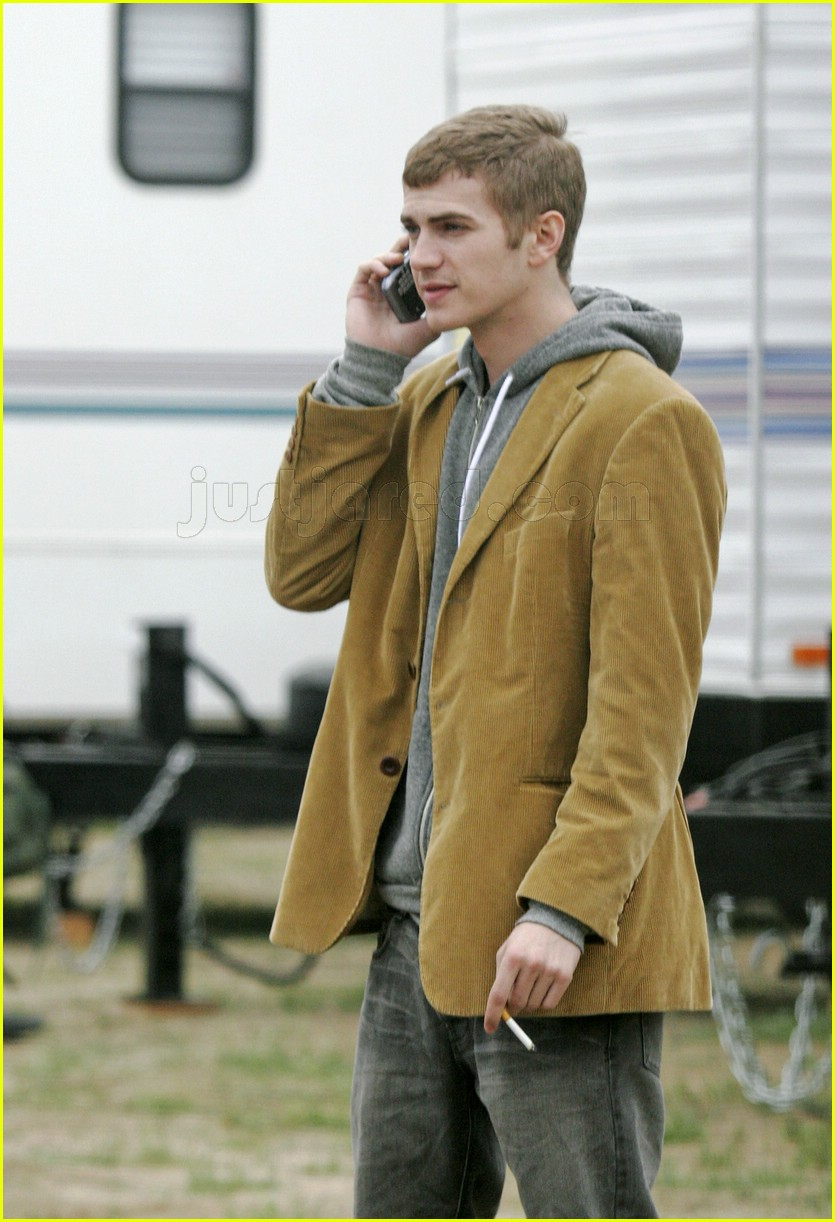 hayden christensen smoking 08