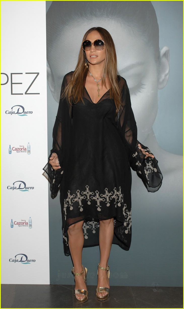 jennifer lopez celtic cross frock 27