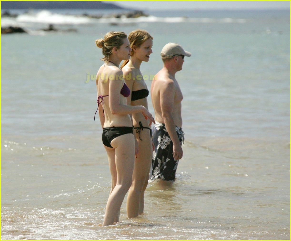 kirsten dunst bikini 01