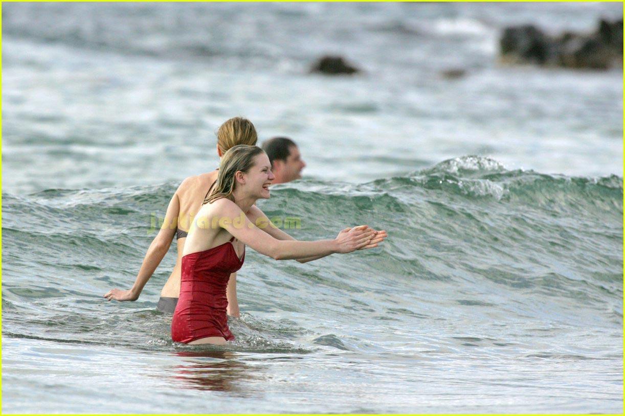 kirsten dunst bikini 12