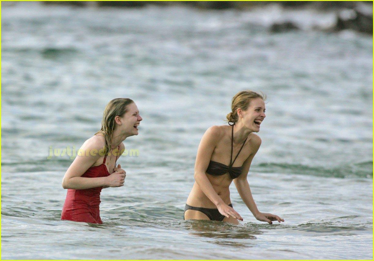 kirsten dunst bikini 13
