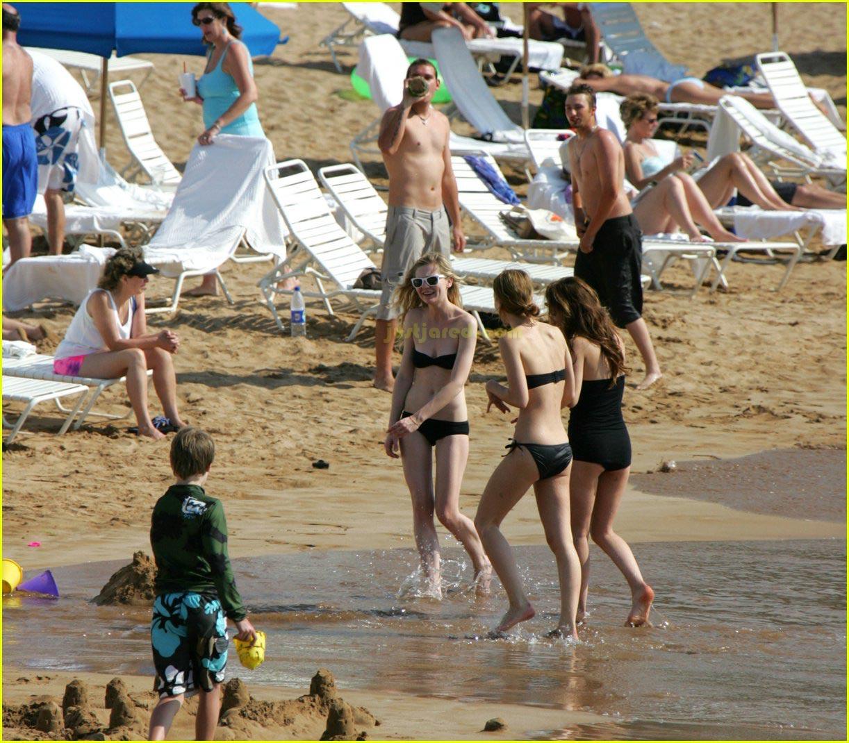 kirsten dunst bikini felt up 102416353