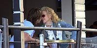 nicole kidman keith urban kiss 01