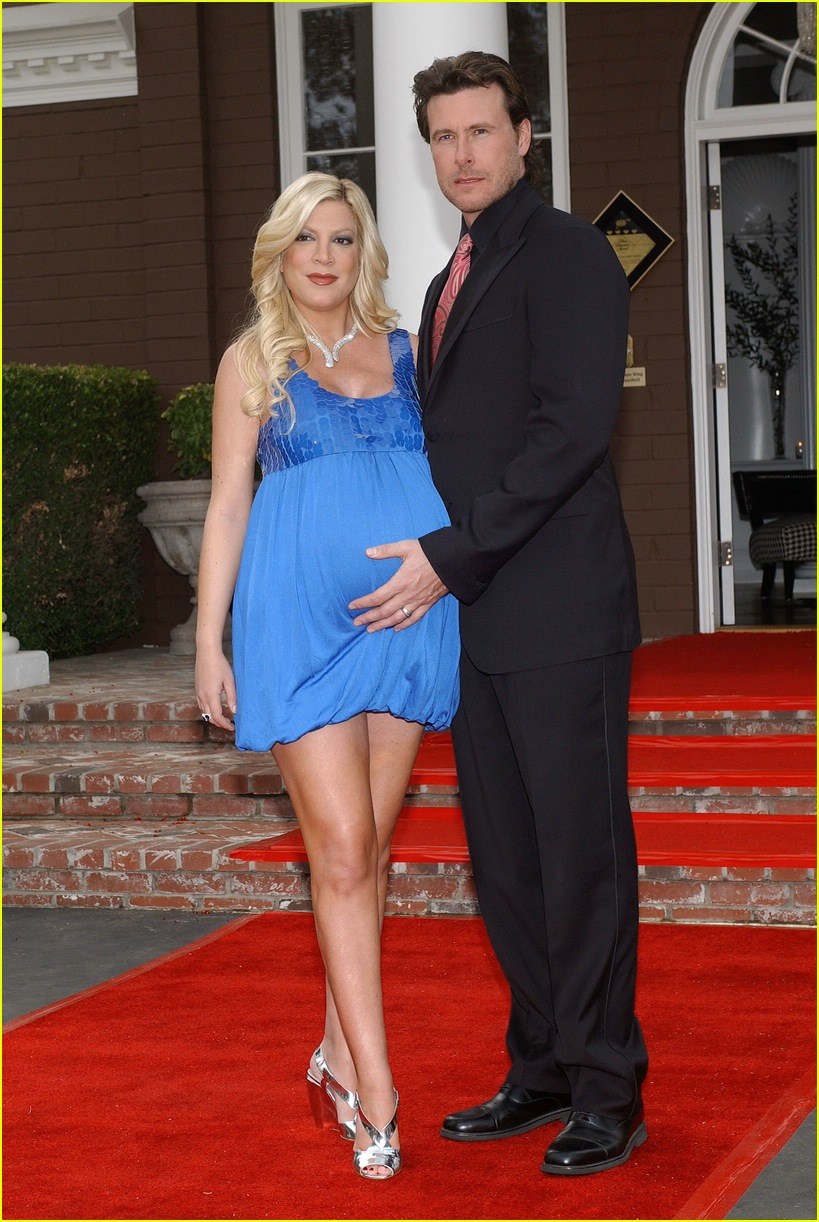 tori spelling bed and breakfast 05