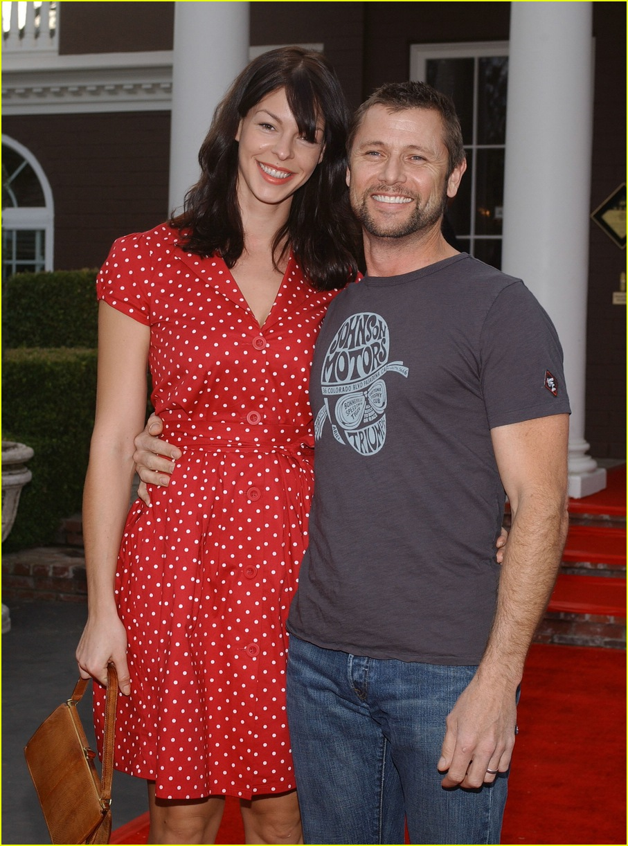tori spelling bed and breakfast 08