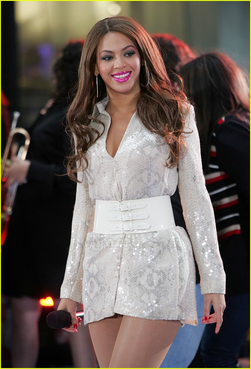 Full Sized Photo of beyonce snakeskin mini dress today show 10 | Photo ... Beyonce Knowles