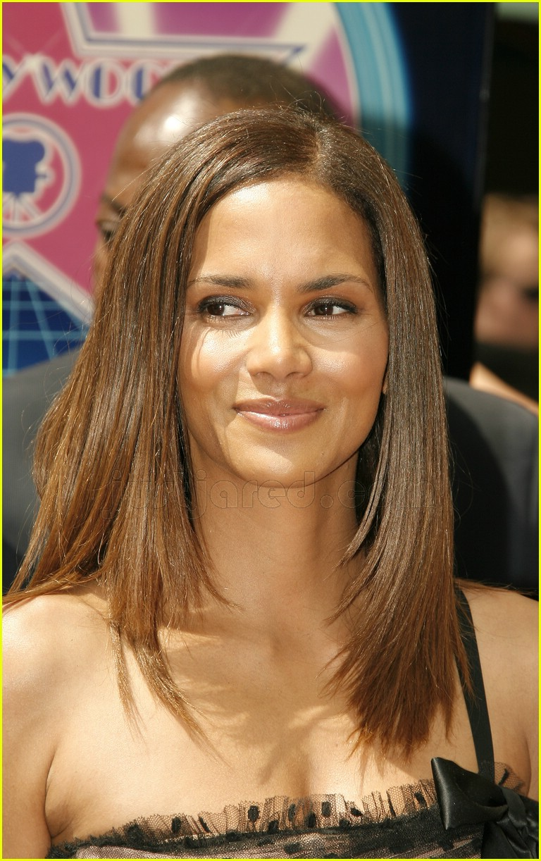 halle berry mom hollywood walk of fame star 0687961