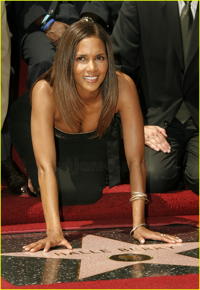halle berry mom hollywood walk of fame star 1388031