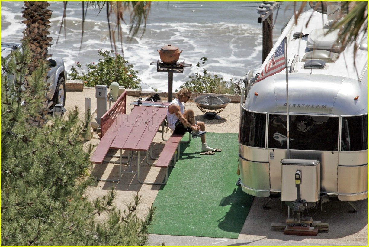 matthew mcconaughey exercising 02107091