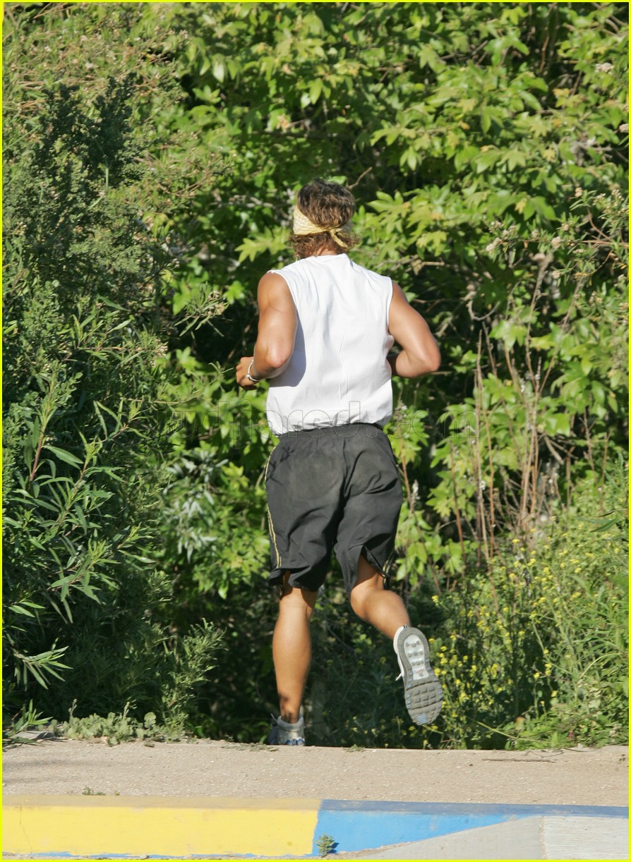 matthew mcconaughey exercising 21