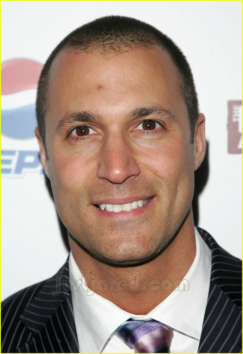 Nigel Barker: America's Next Top Pimple: Photo 99511 | Americas Next Top Model, Nigel Barker Pictures | Just Jared - nigel-barker-pimple-02